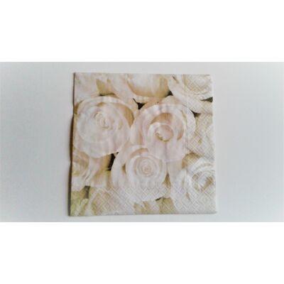 rózsás dekupázs szalvéta